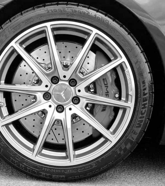 Cambio y Reparación de Neumáticos en Madrid. Autocentro Villaverde, Sustitución y Reparación de Neumáticos en Madrid. Cuándo es necesario Cambiar las Ruedas. La mejor Reparación de Neumáticos en Madrid.