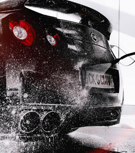 Lavado de Coches a Presión en Villaverde. Taller para Lavar el Coche en Villaverde. Servicio de limpiueza de coches con agua a presión en Villaverde.
